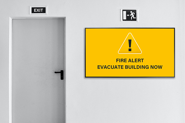 Neovo Signage offers emergency messaging digital signage.